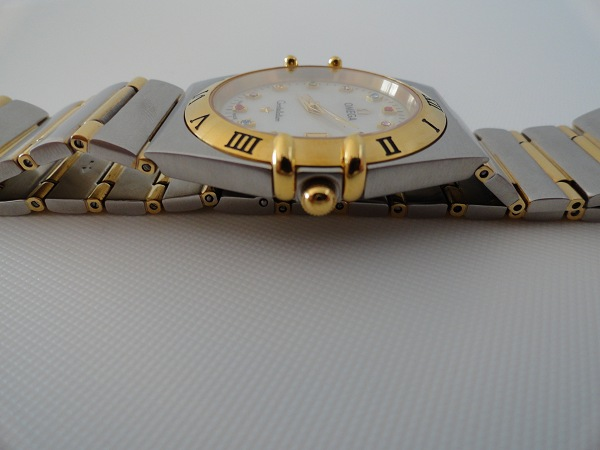 Omega Constellation replica horloge zijaanzicht