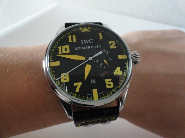 HorlogesReplica-IWC-Pilot-Top-Gun-Geel-Horloge
